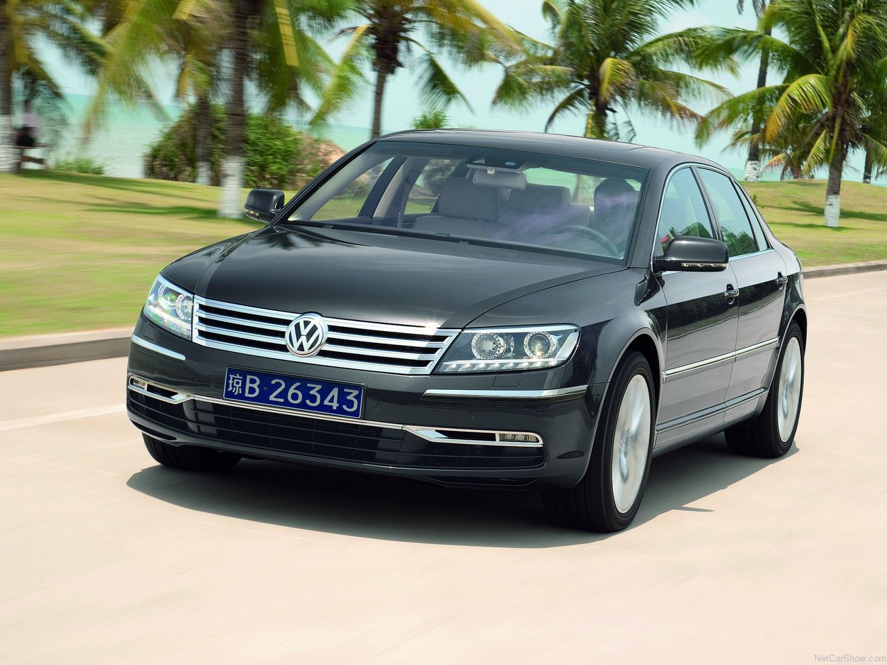 Volkswagen Phaeton faceift 2011 1