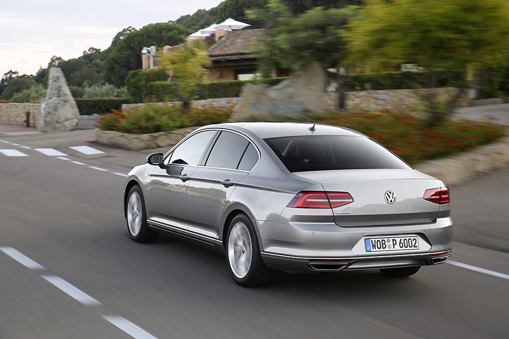 118405 first drives 2015 volkswagen passat sedan and varient euro.7 lg