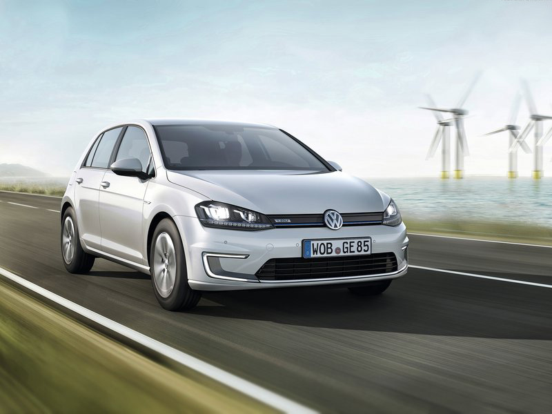 Volkswagen e Golf 2015 800x600 wallpaper 01